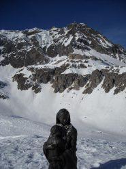 Madonnina della Neve in loc. Serrù con dietro la cima Basei