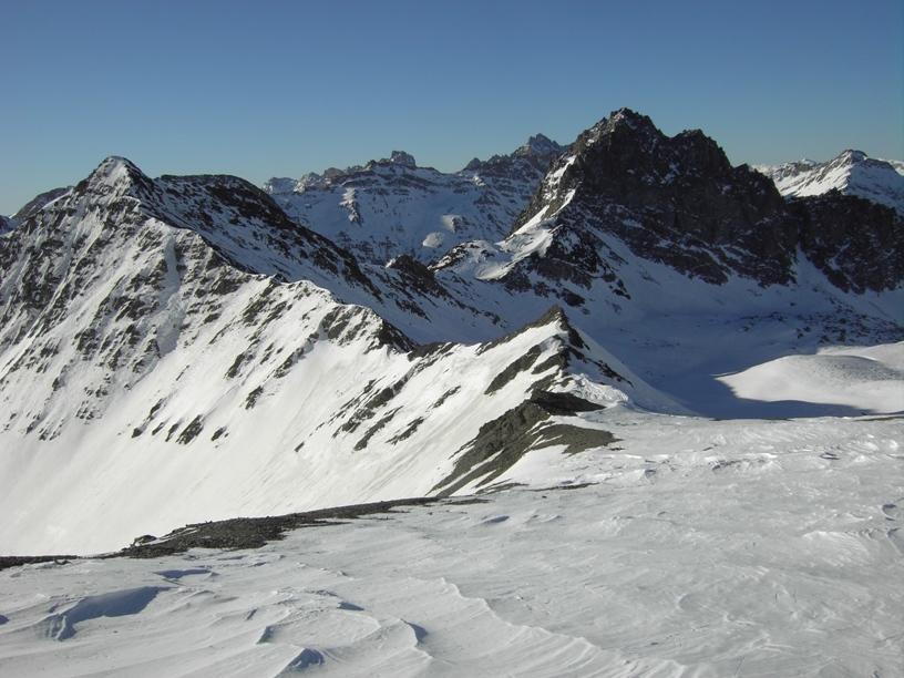 Colle Malacosta e il Pic du Pelvat.