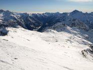 Passo Valnera dalla cresta della Valfredda, dietro si vede la Valle di Gressoney