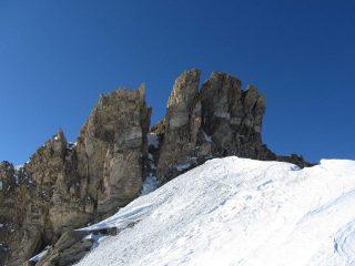 il camino sotto la cima