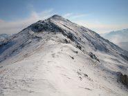 Lose Bianche (2435 m), visto dalla cresta che lo unisce con Punta Prial