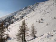 Da quota 2030m, il versante Nord-Est del Lose Bianche (2435 m)