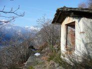 Mulattiera per Frachiamo, uno sguardo verso valle