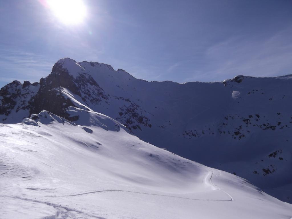 sullo sfondo cima Carbonè con la traccia finale. (vista dall'anticima)