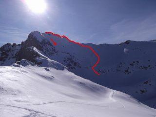 la parte alta, cresta e discesa diretta, visti dalla seconda cima raggiunta