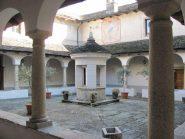Il chiostro al Monastero del Monte Mesma