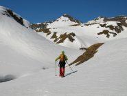 Lungo il vallone verso Corno Bussola (3023 m), quello a destra dello spacco a V