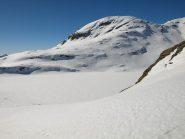 Lago della Battaglia (2487 m) e dietro Monte Chiappa (2684 m)