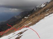 09 - Il primo nevaio da attraversare, servono i ramponi vista l'inclinazione del pendio