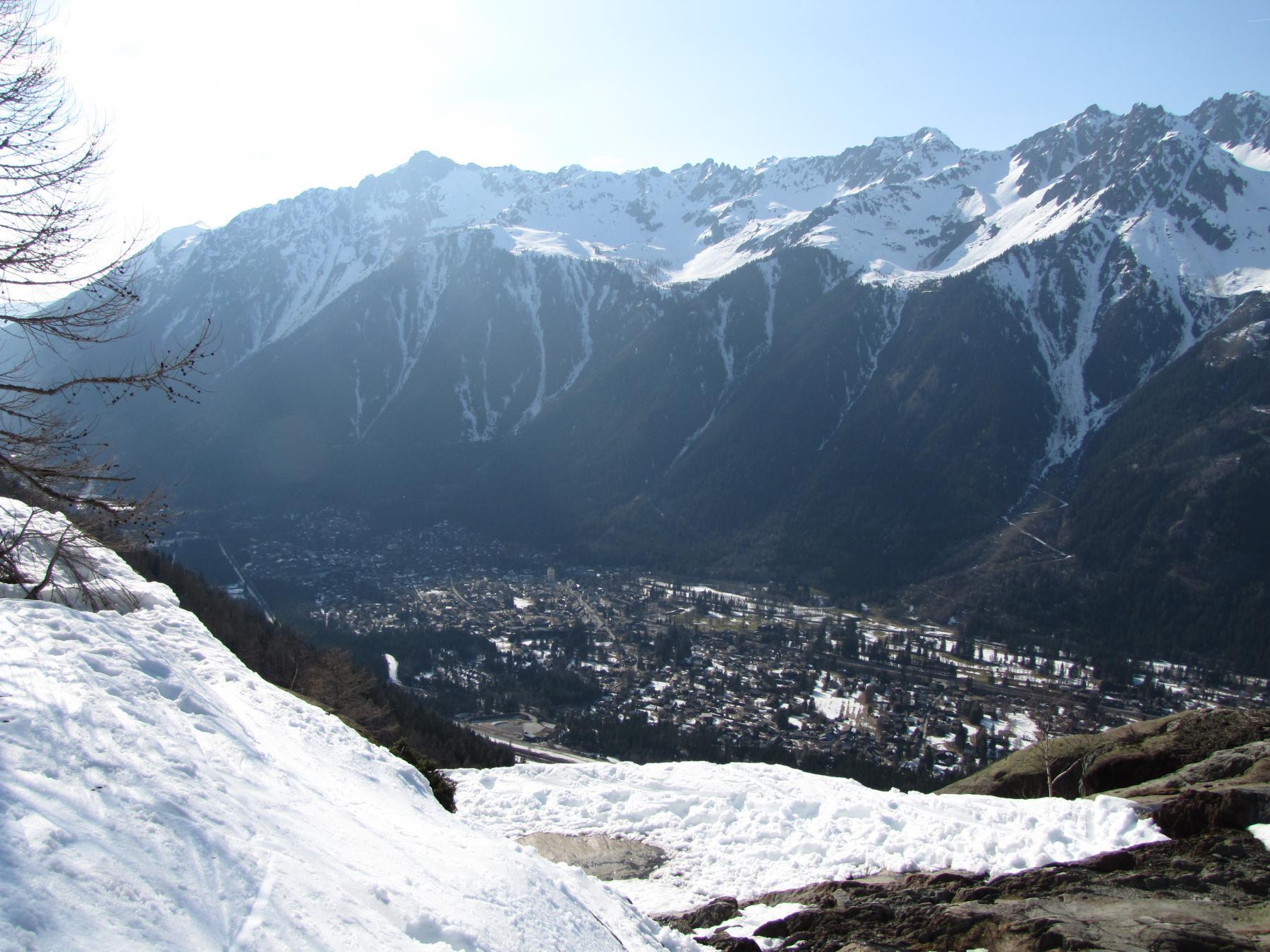 neve agli sgoccioli scendendo nella valle di Chamonix