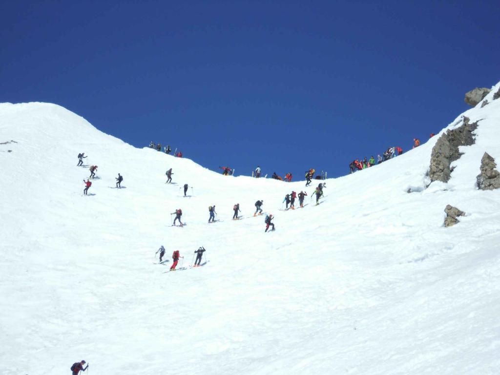 Trois Evechés (Pic des),colletto ovest 3050 m per il Vallon de Roche Noire 2012-04-01