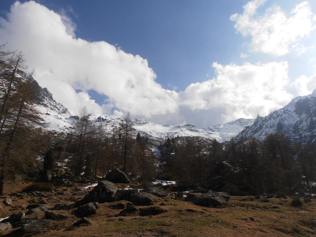 01 - dal rif.Toesca panorama verso il Colle del Sabbione