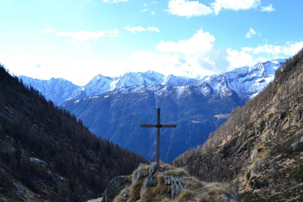 croce e panorama all'Alpe Asinello (1831 m)