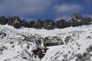 l'anfiteatro di guglie che chiude la valle