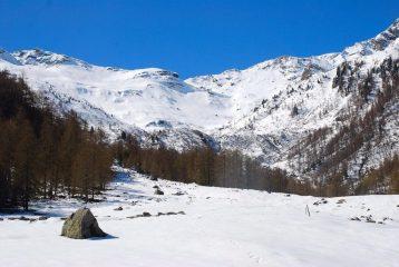 la testata del Vallone del Rio Gerardo da dove si calzano gli sci