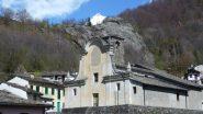 il m. colombo fa capolino sulla parrocchiale di gabadone
