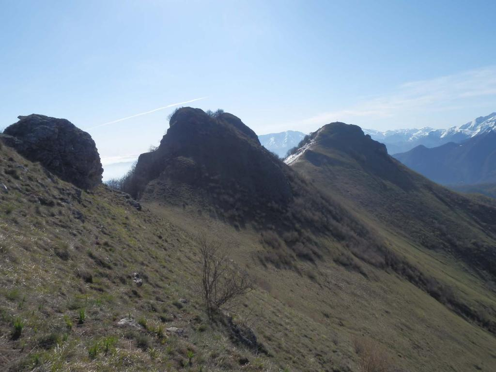 da La Rocciaia; vista su Rocca Calera al centro e il Tagliarè a dx