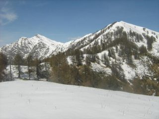 L'Alom e La Scheggia dalla Cima di Rovareccio. Ancora molta neve