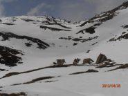 pendii di discesa con neve discreta