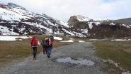 seguendo la stradina che porta verso il Forte Varisello