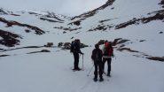 risaliamo i docili pendii del versante NE del Malamot, qui a quota 2400 m. (28-4-2012)