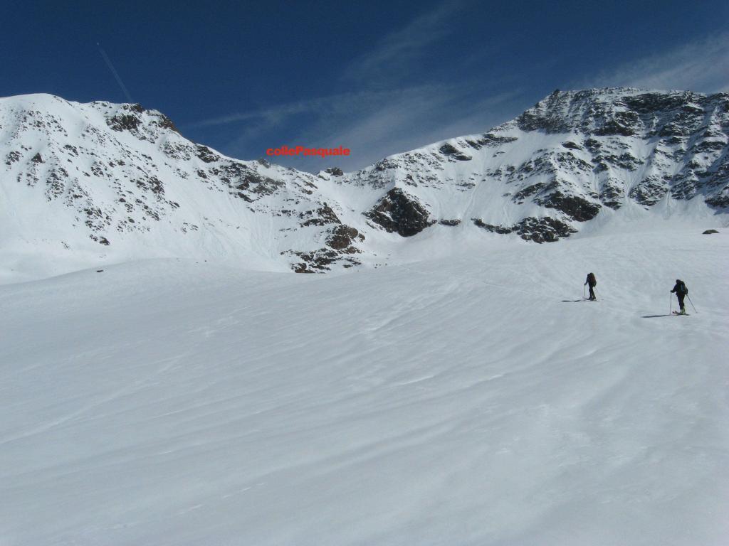 Pasquale (Monte) dall'Albergo dei Forni, traversata Rifugio Branca - Rifugio Pizzini 2012-04-28