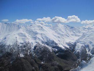 I pendii del Ghinivert e del Bric di Mezzogiorno con la quota neve elevata