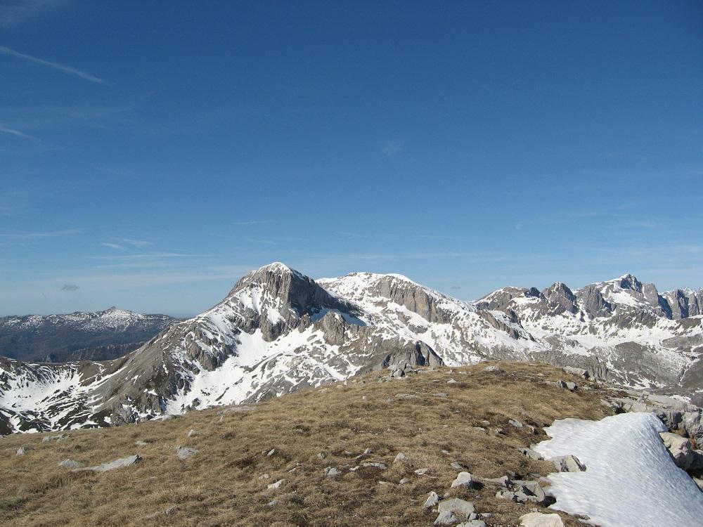 Seirasso (Cima) e quota 2422 m da Prato Nevoso 2012-05-10