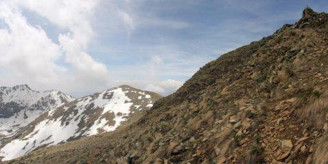Cresta del Civrar, sullo sfondo la P.ta della Croce