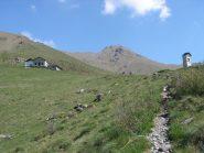 S.Domenico, sullo sfondo gli alpeggi e a dx la Bellavarda, a sx la Marsè