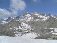 la Torre d'Ovarda, in secondo piano, è una delle montagne esteticamente più belle delle valli di lanzo