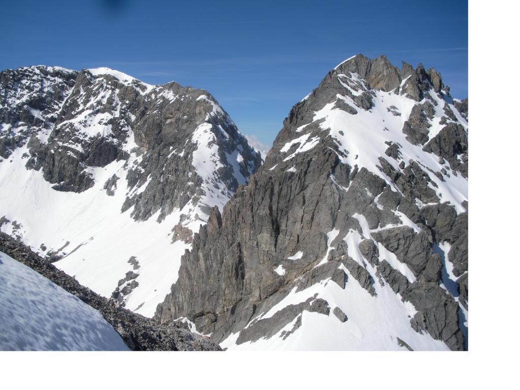 Rocca Bernauda a sx e Gran Somma ...salendo alla Gran Bagna.
