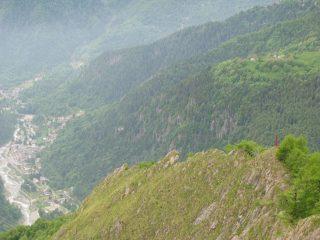 Dalla cresta, vista su Ronco, Nivolastro e Punta Vallon