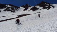 salendo il pendio nevoso che conduce in cresta (2-6-2012)