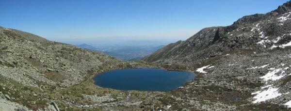 Lago sottano con panorama sulla pianura