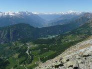L'apertissima Val d'Ayas, la Vallè ed il Bianco in fondo