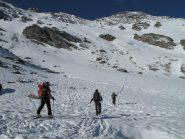 Sulla neve continua a 2450m