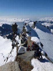 La cengetta finale fortemente esposta sul ghiacciaio della tribolazione