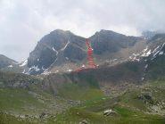 in rosso avvicinamento dal lago la manica. in giallo la cresta.