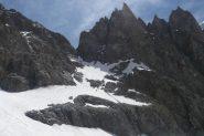 La ripida discesa dal Col des Ecrins