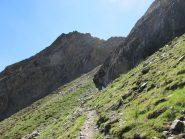 L'Ouillé salendo sul sentiero 18D