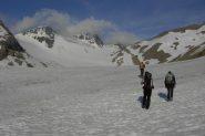 Sul ghiacciaio ancora ben innevato
