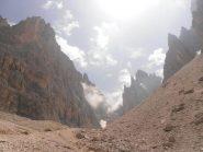 06 - spettacolare entrata nella valle sopra il rif.Vicenza