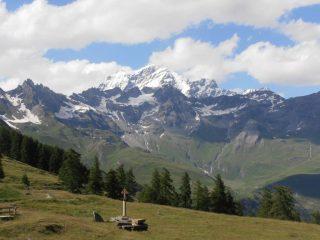 04 - partenza da Champillon con vista sul Grand Combin