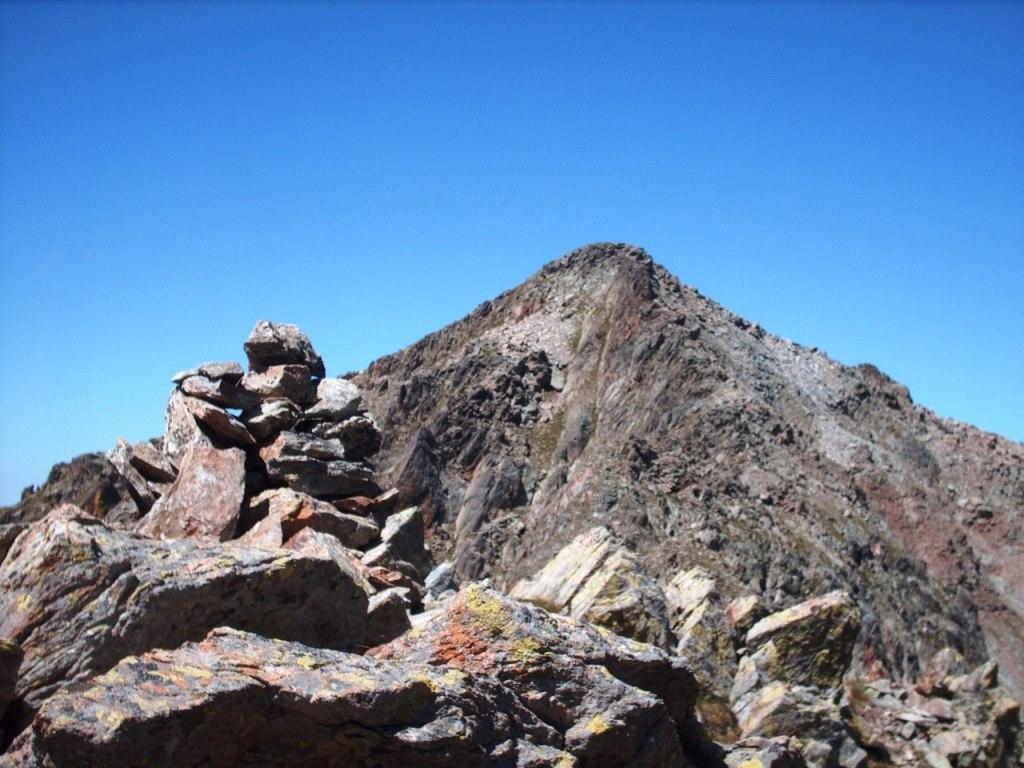 La vetta del Mercantour vista dal Roccione Ghigliè