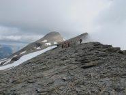 Dalla cresta delle Cavalle, l'omonima punta e la Pointe du Ribon
