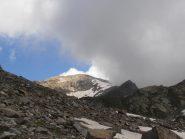 02 - sotto il Col Fussi, appare la cima tra le nuvole