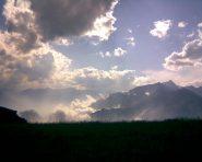 Nuvole suggestive verso il Rocciamelone