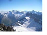 L'Oberland dal Bietschhorn..il colosso sulla dx al fondo e' l'Aletschhorn