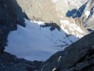 l'ultima difficoltà è il ripido colatoio di neve sotto il Pavet